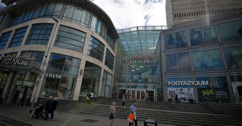 Manchester Arndale incident: Shoppers 'scream' and 'run